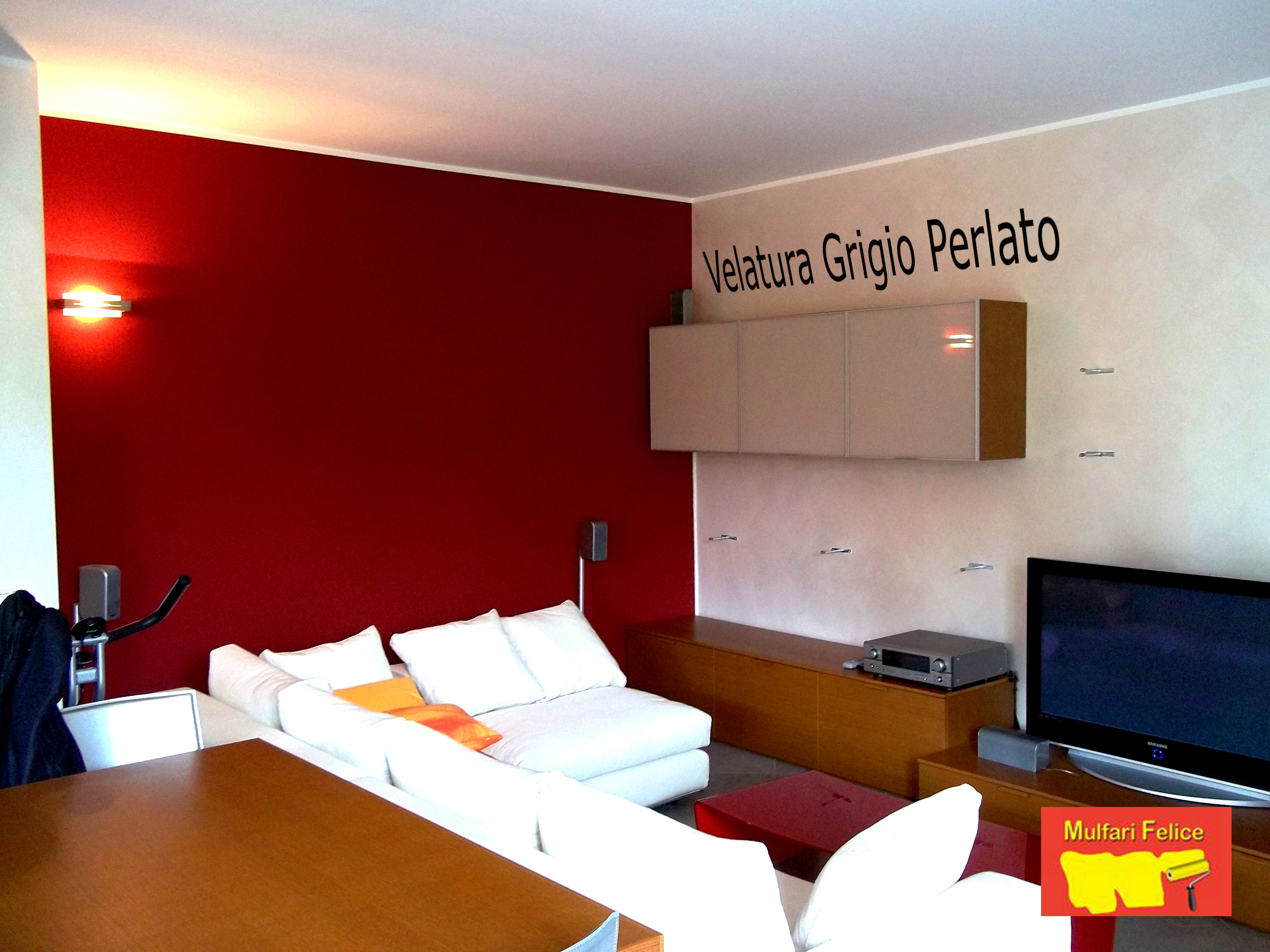 Velatura Grigio Perla con Parete Rossa per un Salone a Carate Brianza ...